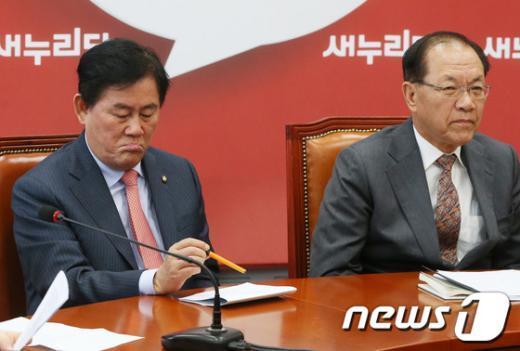 [사진]'문재인 성명'에 '뿔난' 새누리당 지도부