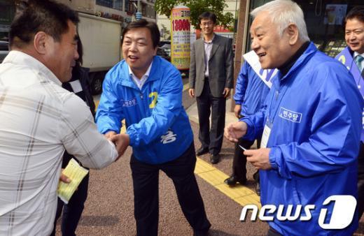 [사진]김한길 대표, 오일용 후보 지지 호소