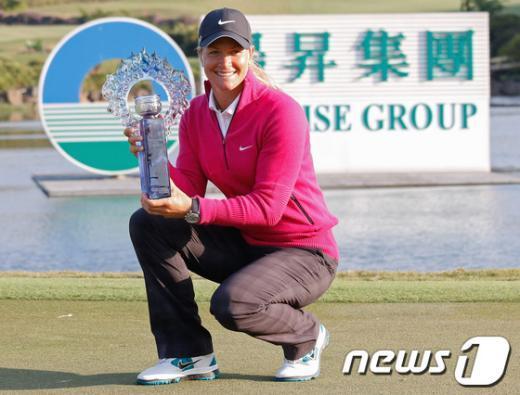 수잔 페테르센(노르웨이)이 27일(한국시간) 대만 타오위안현 양메이 선라이즈 골프장(파72·6390야드)에서 열린 선라이즈 LPGA 대만 챔피언십(총상금 200만달러)에서 우승을 차지했다. AFP=News1