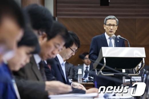 [사진][2013국감] 업무보고하는 김관진 장관