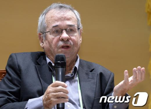 [사진]노벨화학상 수상자 아리 워셜, 방한 기자회견