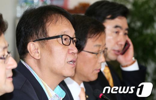민주당 민병두 전략홍보본부장. 2013.3.10/뉴스1 © News1   오대일 기자