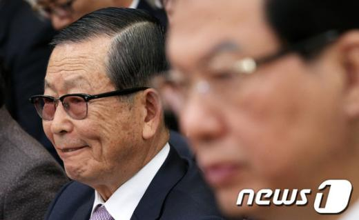 [사진][2013국감] 국사편찬위원장, 위증 논란 '혼쭐'