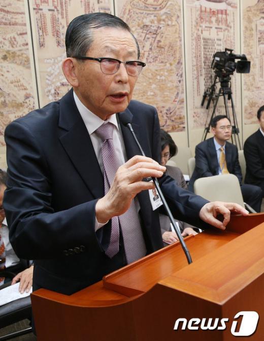 [사진][2013국감] 혼쭐 나는 국사편찬위원장
