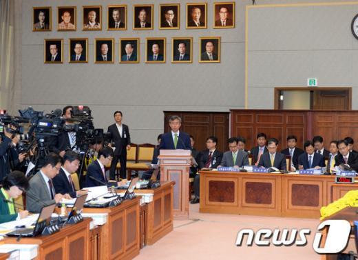 [사진][2013국감] '검찰총장 공백' 차장 검사의 업무보고