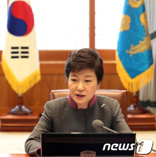 [사진]朴대통령 '지난대선 선거개입 의혹 밝히겠다'