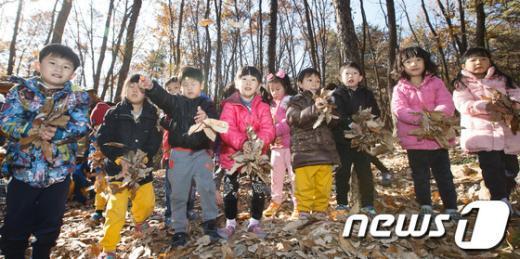 [사진]'숲 속 놀이터에서 놀자'