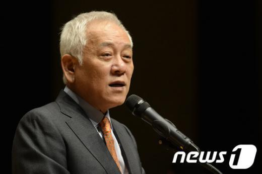 [사진]축사하는 김한길 대표