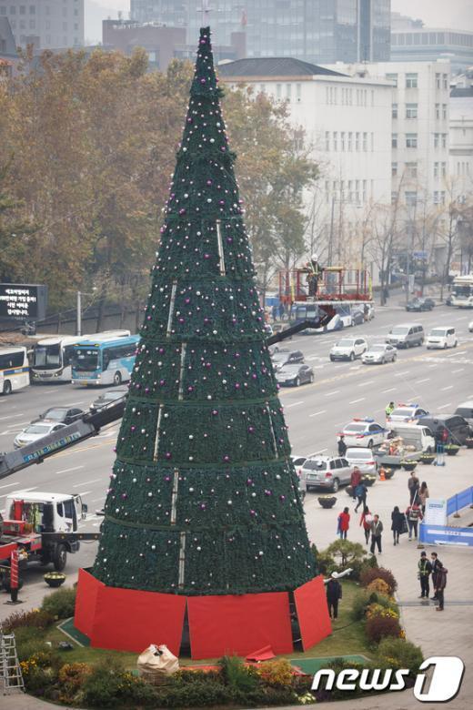 [사진]서울광장은 벌써 크리스마스