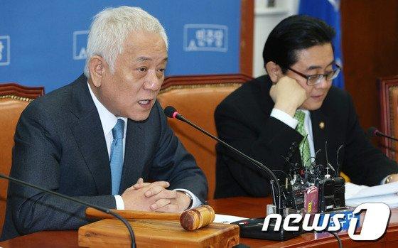 [사진]김한길, 최고위원회의 모두발언