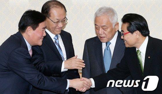 [사진]4자회담 '시작은 화기애애'