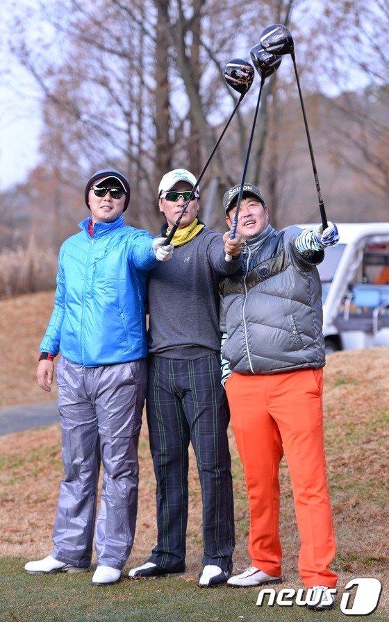 [사진]삼성 이승엽 '다시 펼치는 우승 세리머니'