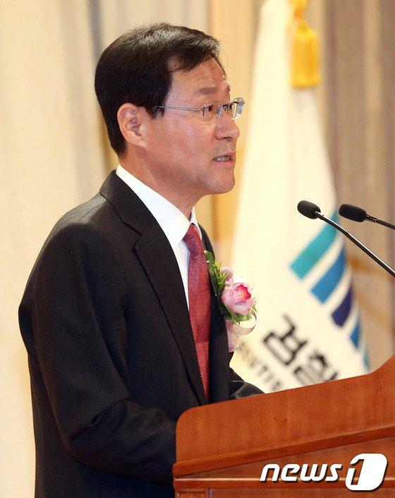 [사진]김진태 검찰총장 취임사