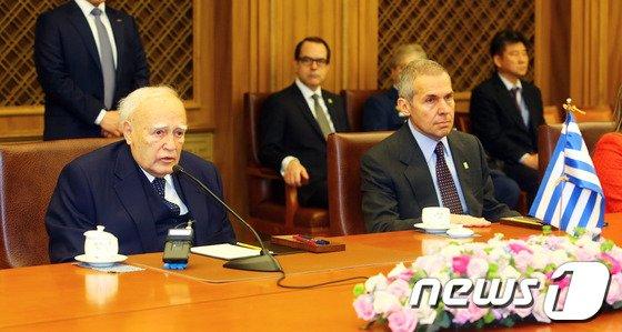 [사진]파풀리아스 그리스 대통령, 국회 방문