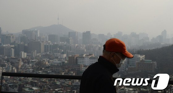 [사진]도심 뒤덮은 미세먼지