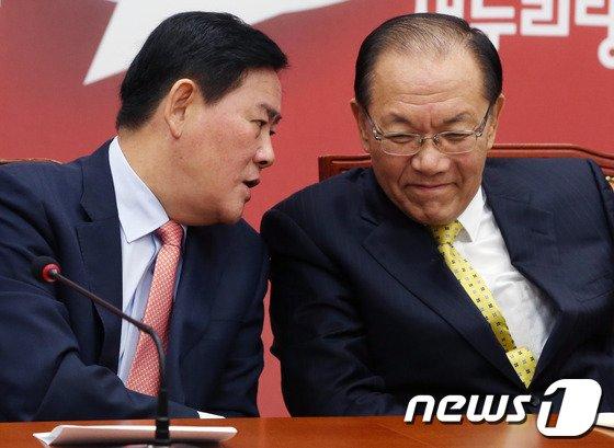 [사진]황우여-최경환 '속닥 속닥'