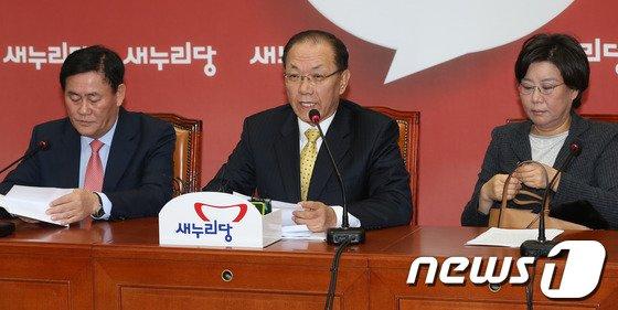 """[사진]황우여 """"국정원, 대공 정보력 키워야"""""""