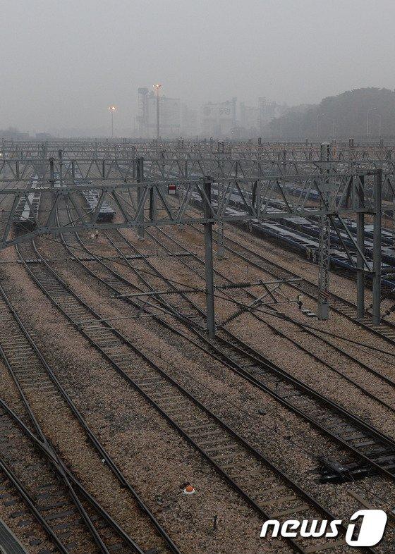 [사진]철도노조 파업 첫날, 의왕내륙컨테이너기지 가보니