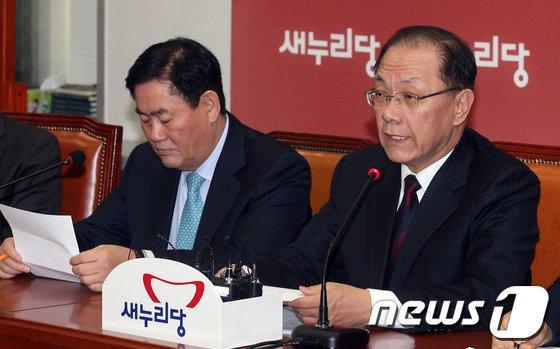 [사진]황우여 대표 '최고위 모두발언'