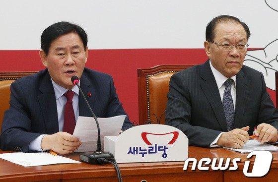 """[사진]최경환 """"오늘 중 대타협 이룰 수 있도록..."""""""
