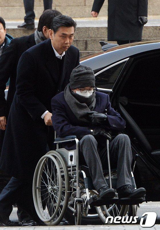 [사진]법원 도착한 CJ 이재현 회장