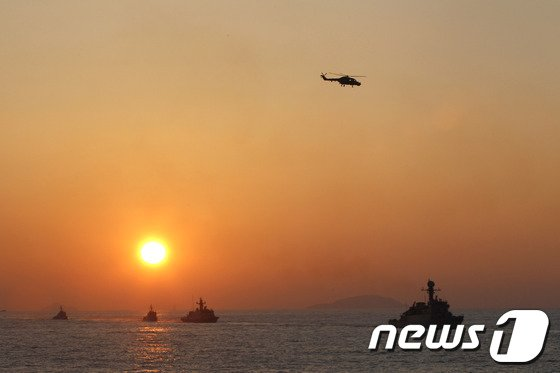 [사진]해군 2함대, 조국의 평화 위해!