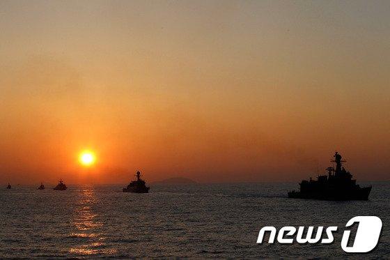 [사진]해군 2함대, 평화로운 바다를 위해!