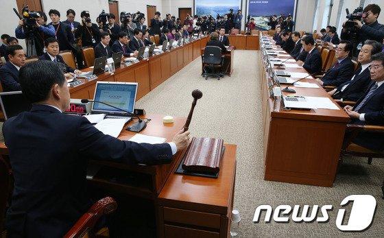 [사진]국회 국토위, 철도산업발전소위 구성 의결