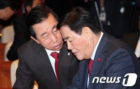 [사진]논의하는 최경환-김성태