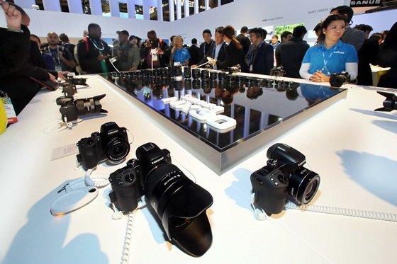 7일(현지시간) 미국 라스베이거스에서 개막한 세계 최대 '국제가전전시회(CES 2014)'에서 삼성전자가 선보인 'NX30' 카메라 /사진 제공=삼성전자