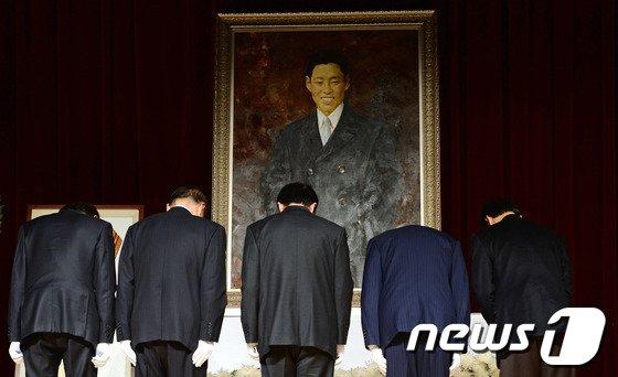 [사진]'숭고한 의거 잊지 않겠습니다'