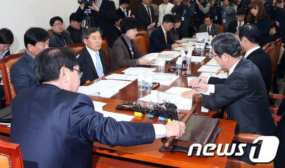[사진]정개특위, 공직선거법 개정안 논의