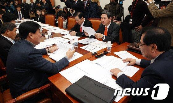 [사진]국회 정개특위소위, 공직선거법 개정안 논의
