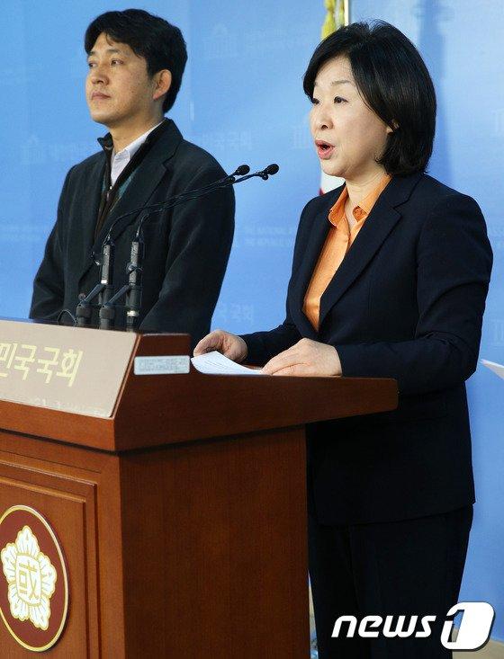 [사진]'선거구 획정' 헌법소원 낸 심상정 원내대표