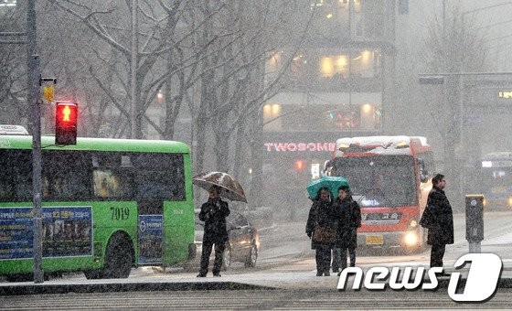 [사진]'황사 눈 펑펑'