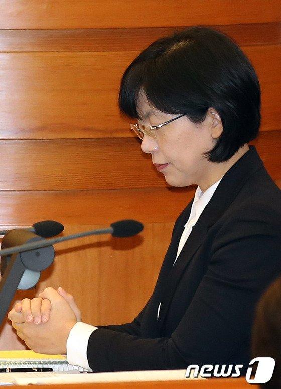 [사진]기도하는 이정희 대표