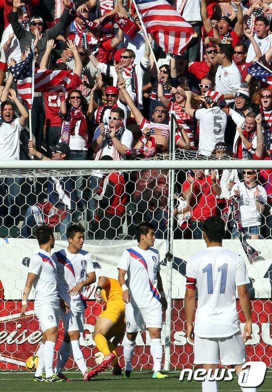 [사진]한국 '전반 4분만에 실점'