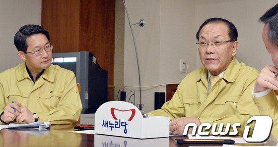 [사진]경기도 AI종합상황실 찾은 황우여 새누리당 대표