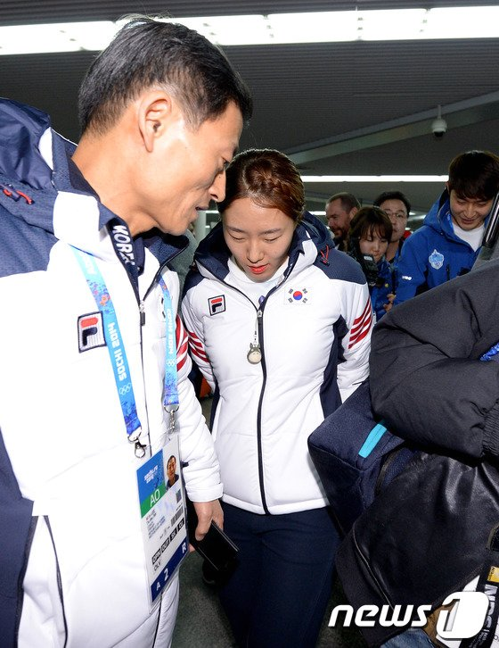 [사진][올림픽]'빙속여제'이상화 소치 입성
