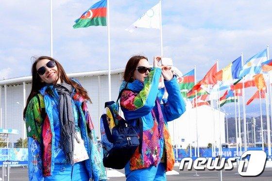 [사진][올림픽]미모의 외국여성 카메라를 향해 '스마일'
