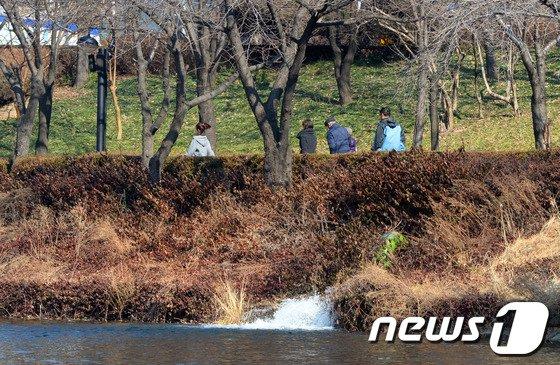 [사진]한강물 끌어쓰는 석촌호수