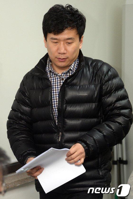 [사진]기자회견장에 나타난 유우성씨