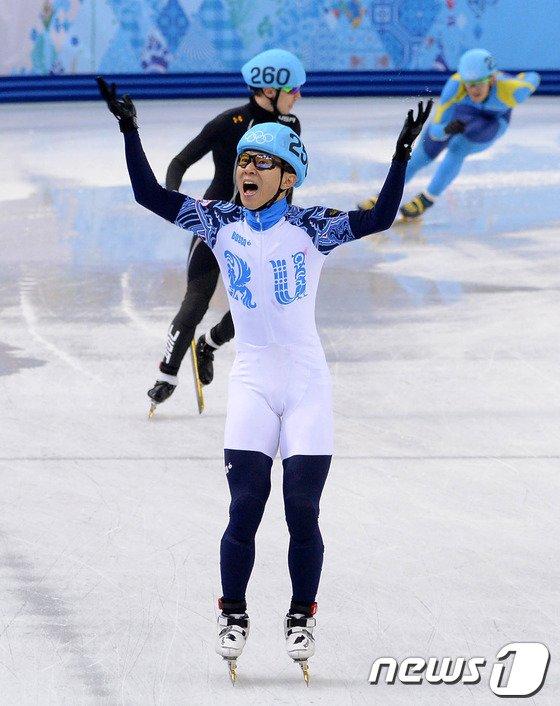 [사진][소치2014]러시아 안현수 '또 또 금메달!'