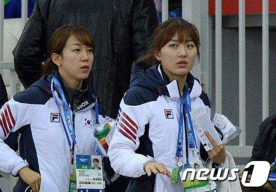 [사진][소치2014]조해리-박승희 '금메달 기운 넣으러 왔어요!'