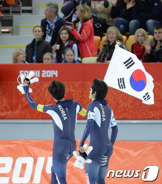 [사진][소치2014]남자 팀추월 '아쉽지만 자랑스런 첫 메달'