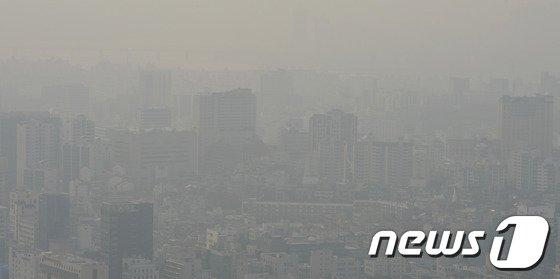 [사진]서울 도심, 미세먼지 가득