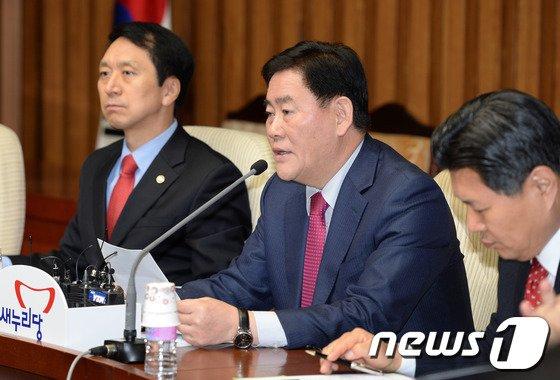 """[사진]최경환 """"정무장관 부활해야"""""""