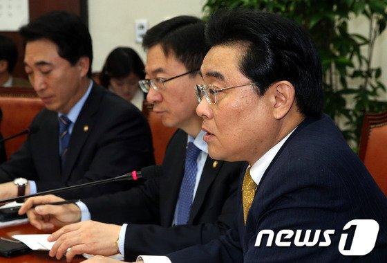 """[사진]전병헌 """"朴정부 전진 아닌 퇴보한 1년"""""""