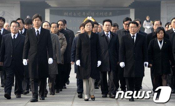 [사진]이혜훈 최고위원, 국립서울현충원 참배