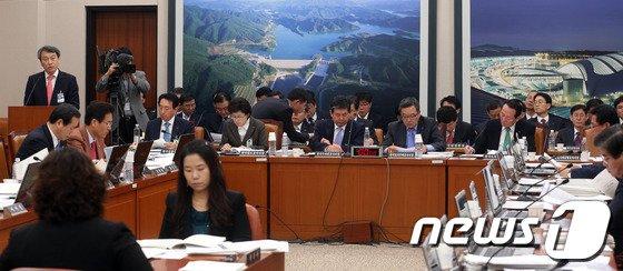 [사진]국토위, 공기업 방만경영 집중 추궁